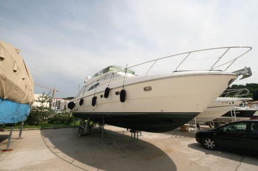 General information: Yacht ID. 209. Model: Ferretti 430. Produced: