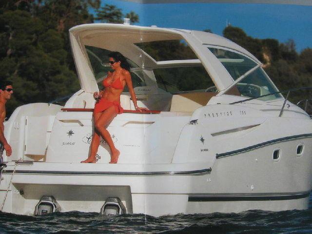 Yacht Photos: Jeanneau Prestige 30 S