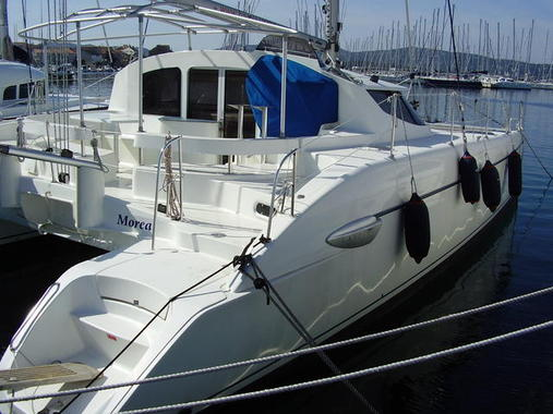 General information: Yacht ID. 221. Model: Fountaine Pajot Lavezzi 40